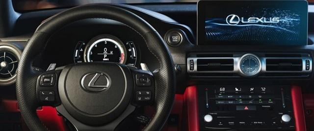 Lexus IS300h 2021 vo lang man hinh giai tri - Đánh giá xe Lexus IS 300h 2021 - Mẫu sedan hạng sang cỡ vừa đậm chất thể thao