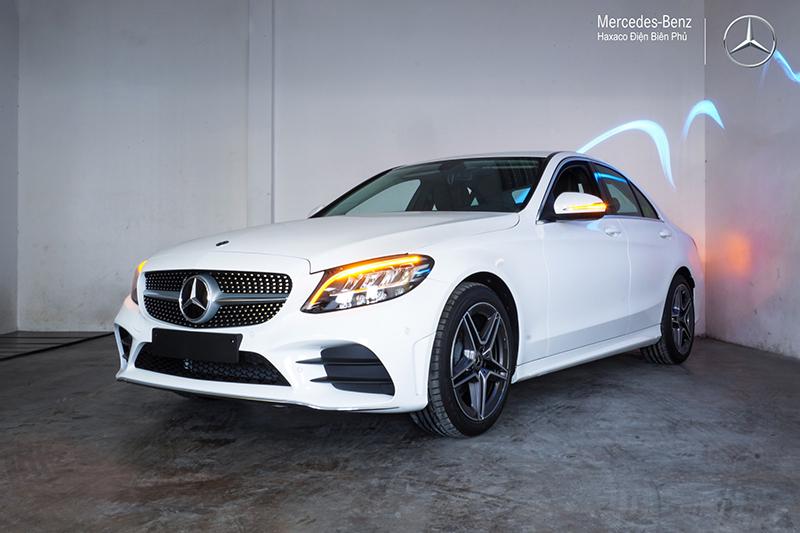 danh gia xe mercedes benz c180 amg 2021 muaxegiatot vn 7 - Đánh giá xe Mercedes C180 AMG 2021 – Giá 1,5 tỷ cạnh tranh Audi A4, BMW 3-Series