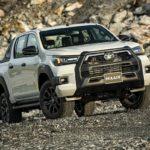 Giá Toyota Hilux 2020 mới ra mắt từ 628 - 921 triệu đồng