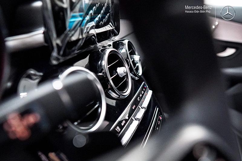 taplo xe mercedes benz c180 amg 2021 muaxegiatot vn 16 - Đánh giá xe Mercedes C180 AMG 2021 – Giá 1,5 tỷ cạnh tranh Audi A4, BMW 3-Series