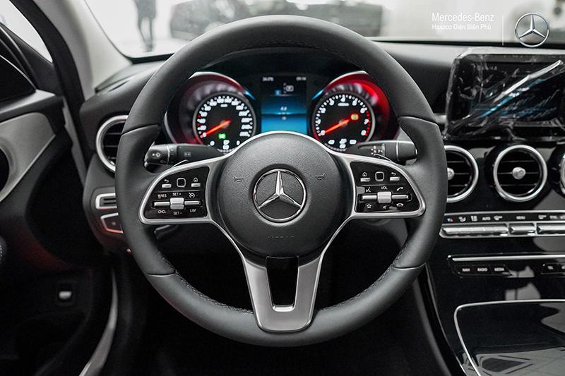 vo lang xe mercedes benz c180 amg 2021 muaxegiatot vn 10 - Đánh giá xe Mercedes C180 AMG 2021 – Giá 1,5 tỷ cạnh tranh Audi A4, BMW 3-Series