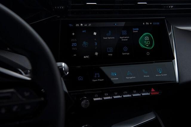Peugeot 308 2022 man hinh giai tri Giaxehoi vn 640x427 1 - Đánh giá Peugeot 308 2022 – Đối thủ đáng gờm của Honda Civic Type RS