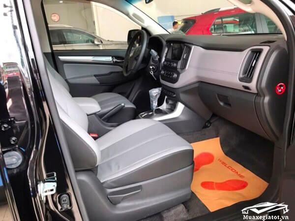 Hàng ghế trước xe Chevrolet Colorado 2018