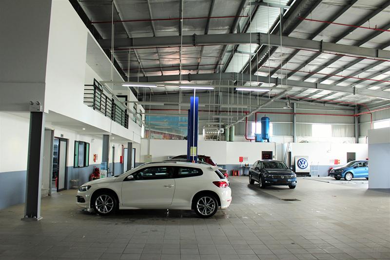 xuong dich vu Volkswagen LongBien Hanoi muaxegiatot vn - Giới thiệu đại lý Volkswagen Long Biên - Xây dựng niềm tintrên nền tảng của sự uy tín