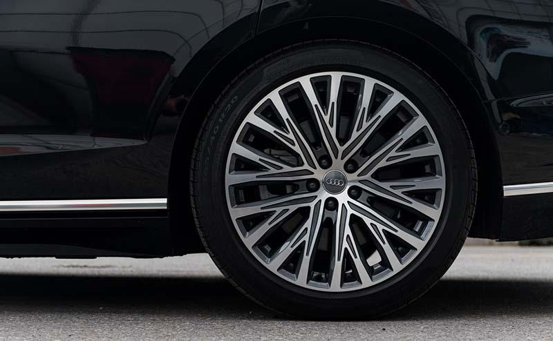 mam xe Audi A8L Nhap tu nhan gia 7 ty Xetot com - Audi A8L 2021 nhập khẩu tư nhân về Việt Nam, giá gần 7 tỷ đồng