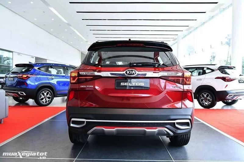 duoi xe kia seltos 2020 2021 muaxegiatot vn - Trong tay hơn 600 triệu nên chọn Mazda CX-3 hay Kia Seltos?