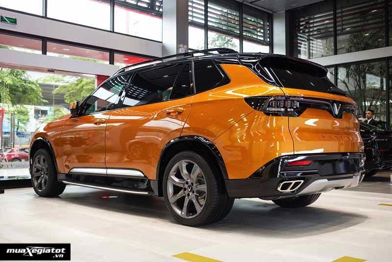Duoi xe VinFast President 2020 2021 Muaxegiatot vn - Với 3.8 tỷ nên chọn mua VinFast President hay Porsche Macan?
