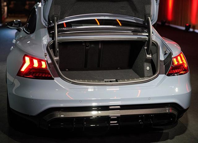 cop xe Audi e tron GT 2022 ra mat thai lan muaxegiatot vn - Xe điện Audi e-tron GT 2022 chính hãng mới về Việt Nam, đối đầu Taycan