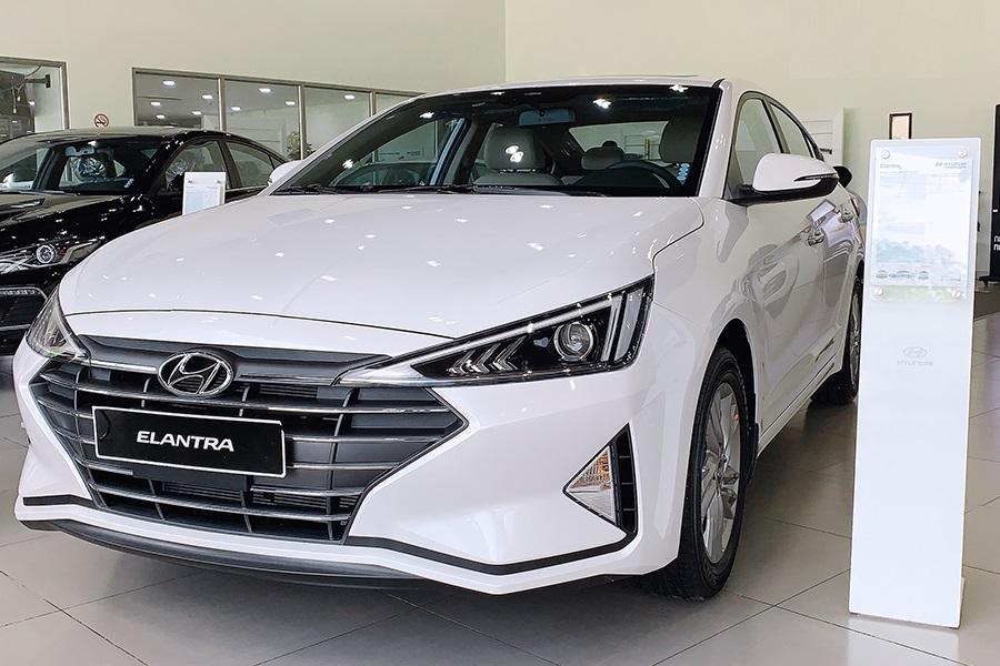 danh gia tien nghi va an toan hyundai elantra 2020 2021 2022 xetot - 10 mẫu xe ô tô đáng mua nhất trong tầm giá 600 triệu đồng