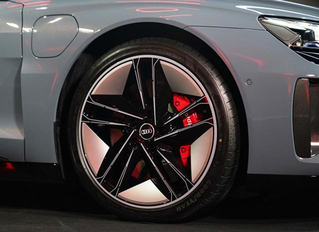 mam xe Audi e tron GT 2022 ra mat thai lan muaxegiatot vn - Xe điện Audi e-tron GT 2022 chính hãng mới về Việt Nam, đối đầu Taycan