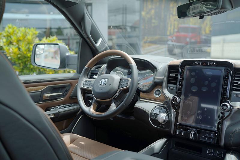 """noi that xe ram 1500 2022 giaxehoi vn - 3 mẫu """"siêu bán tải"""" về Việt Nam trong năm 2021 để phục vụ giới đại gia: Giá ngang xe sang, cao nhất gần 6 tỷ đồng"""