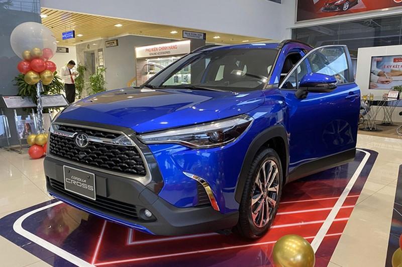 toyota corolla cross top 10 o to ban chay nhat thang 08 2021 800x533 1 - Top 10 xe bán chạy nhất tháng 08/2021: Sự vượt trội của Vinfast Fadil