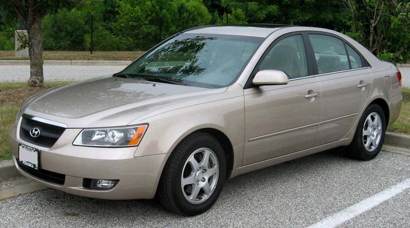 Hyundai Sonata dời 2004 – 2007 - 7 mẫu xe cũ giá chỉ 200 triệu đồng đáng mua nhất 2021