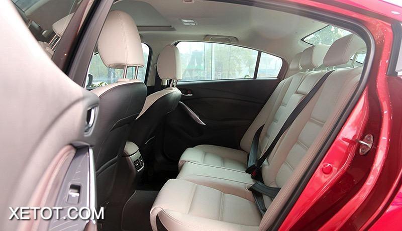 hang ghe sau mazda 3 2021 hatchback muaxegiatot vn - So sánh Kia K3 và Mazda 3: Đâu là sự lựa chọn tốt?