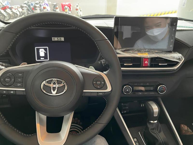 vo lang toyota raize 2022 giaxehoi vn - Toyota Raize 2022 và Kia Sonet 2022: Xe SUV 5 chỗ cỡ nhỏ nào nên mua?