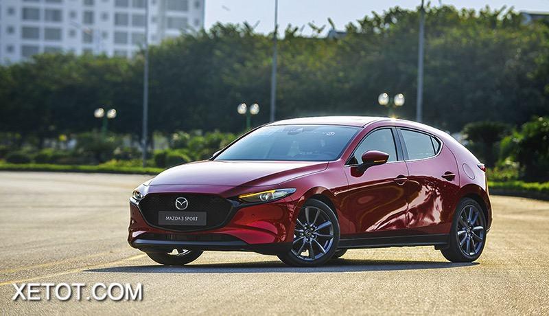 xe mazda 3 2021 hatchback muaxegiatot vn - So sánh Kia K3 và Mazda 3: Đâu là sự lựa chọn tốt?